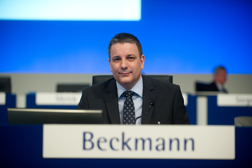 Kai Beckmann, Chief Administration Officer, be der 17. ordentliche Hauptversammlung der Merck KGaA am 20. April 2012 in Frankfurt am Main