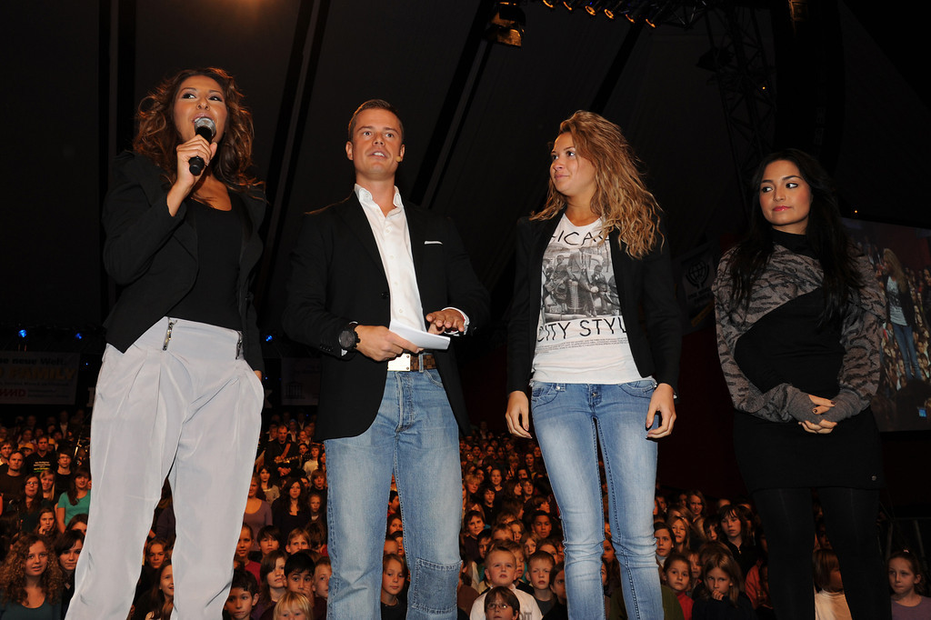 Bahar Kizil, Mandy Capristo, Monrose, Pete Dwojak, Senna Guemmour, beim Projekt One World Family am 20.10.10 im Europa Park in Rust