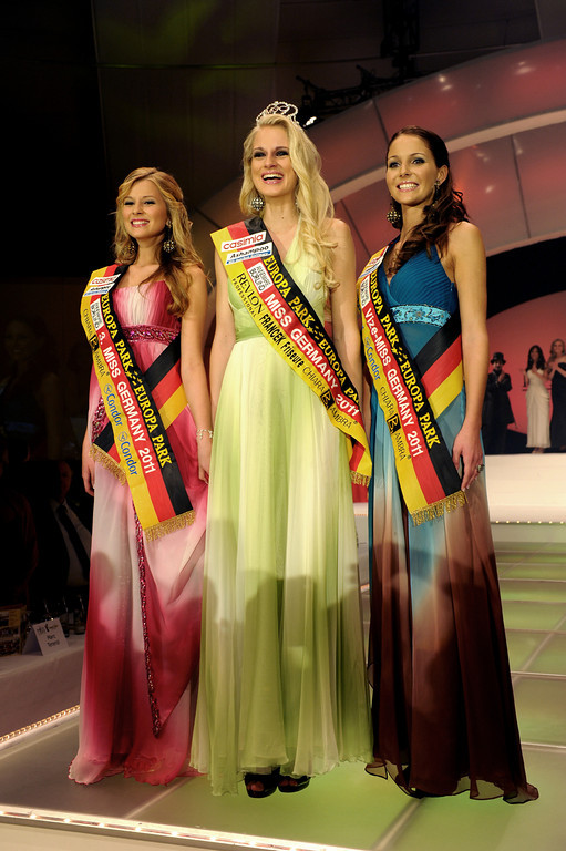 Anne-Kathrin Kosch, Tiffany Sachs, Samantha Striegel, bei der Wahl der Miss Germany am 11.02.11 im Europapark in Rust