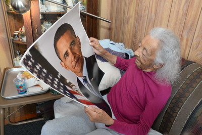 Mary Mendes 106th  Happy Birthday 2-7-2017 Mary gets picture of the President