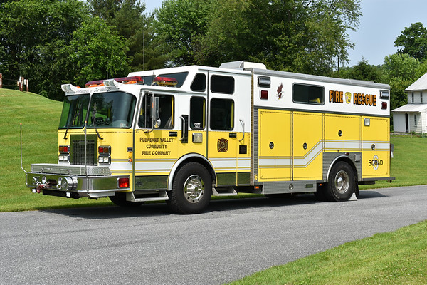 Pleasant Valley, Maryland - Carroll County  Squad 6 1995 Spartan Gladiator/Saulsbury/2004 rehab serial number 294055 Originally delivered to Pennville, PA  Photographed at the June 2019 Chesapeake Antique Fire Apparatus Association spring muster in Pleasant Valley, Maryland.
