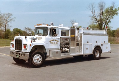 Former Engine 143, a nice 1982 Mack R/3D Metals, 1000/1000.
