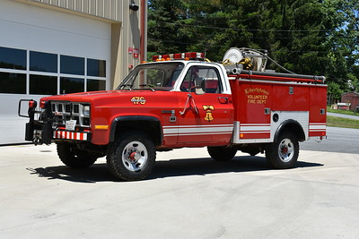 Pierce is known for its engines, ladders, squads, etc.  Brush 176 from Libertytown, Maryland is this 1982 GMC Sierra 3500 4x4 with a 1983 Pierce utility body.  250/100.  This truck was originally delivered to Cabin John, Maryland in Montgomery County.  Libertytown received the truck in 2003.