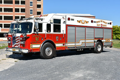 Squad 3 from the United FC in Frederick, Maryland is this 2005 Pierce Dash with job number 16800.  Non walk in squad body.