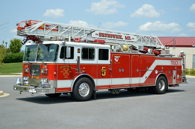 This nice 1994 Seagrave JR-06-DH, 100', sn- 75689 is Truck 5.