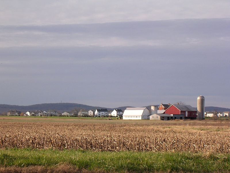 Old and new are side by side on this farm in Adamstown, Maryland. <br /> 11-26-04