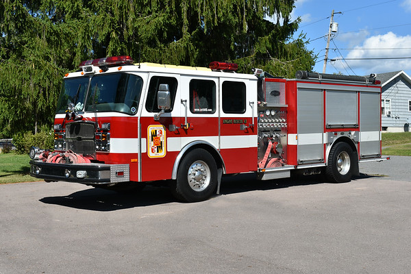 Oakland, Maryland Engine Rescue 43, a 2005 E-One Cyclone II  1500/780 and sn 129675.