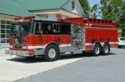 Former Engine Tanker 503 is this nice 2000 Seagrave TE60DA, 1750/2500, sn- 78966.  Sold to a US military base in Iraq in 2015.