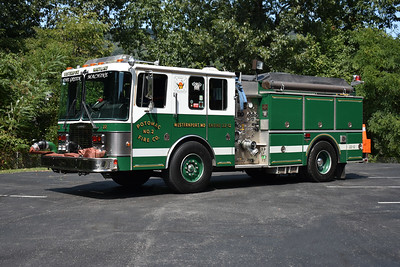 Engine 221 from Westernport, Maryland is a 1991 HME 1871/Grumman 1250/1250 and sn 18544.  This Grumman was built along with nearby Piedmont, West Virginia's Grumman.