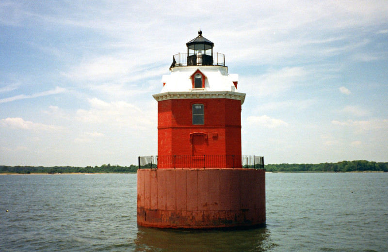 Sandy Point Light001