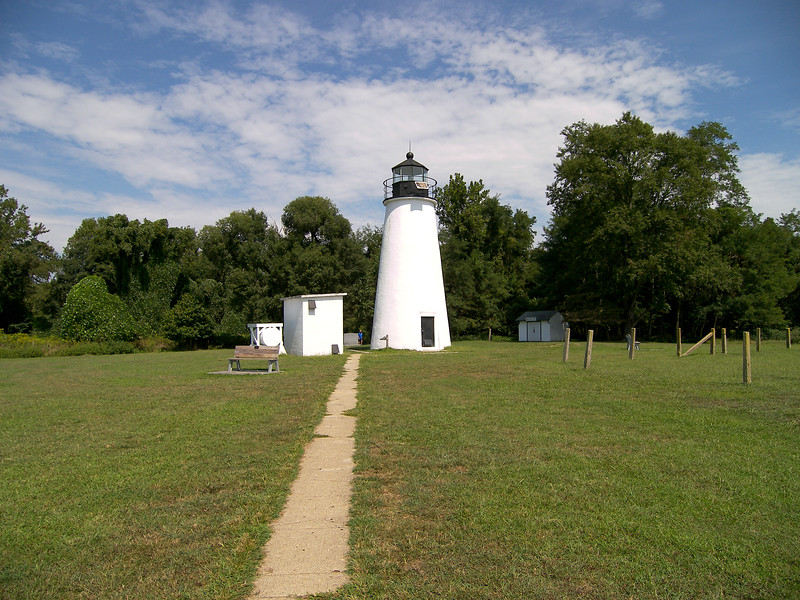 A four acre tract of land was purchased including a bluff 100 feet above the Bay.  The government contracted with John Donahoo, the famous builder of Chesapeake Bay lighthouses, to construct the tower at Turkey Point.  Donahoo built 13 lighthouses in the Bay during the 1800's, of which seven are still standing.