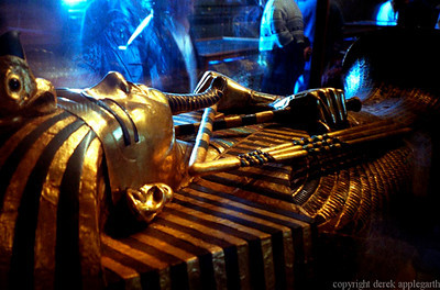 Tutankhamen in Egypt Museum shot with a point and shoot