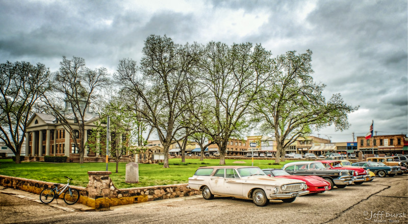 Antique Cars on Square-1-1-209