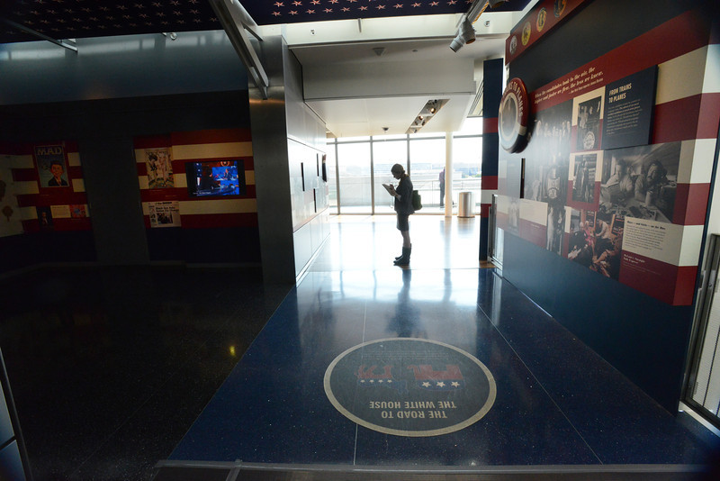 New Centuty College tours the Newseum