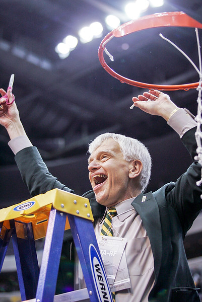 President Alan Merten during Mason's 2006 Final Four run. Photo courtesy of George Mason Athletics.