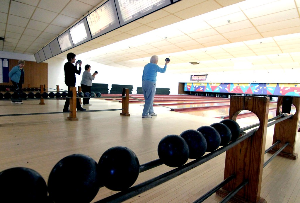 . Early Birds Bowling League members line for bowling action atr Mason\'s Bowling alley in Leominster. Sentinal&Enterprise/ David H. Brow