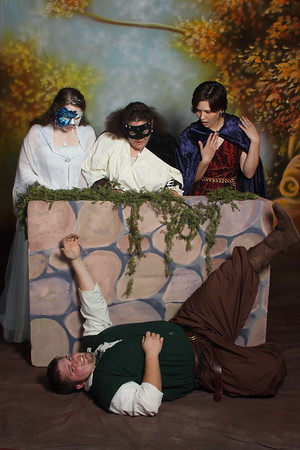 32~ Robin Hood & his Merry Maids
