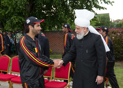 International Masroor Cricket individuals meet Huzur (41 of 349)