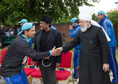 International Masroor Cricket individuals meet Huzur (47 of 349)