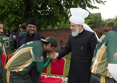 International Masroor Cricket individuals meet Huzur (23 of 349)