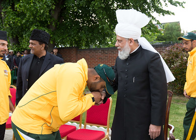 International Masroor Cricket individuals meet Huzur (13 of 349)
