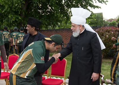 International Masroor Cricket individuals meet Huzur (29 of 349)