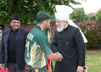 International Masroor Cricket individuals meet Huzur (17 of 349)