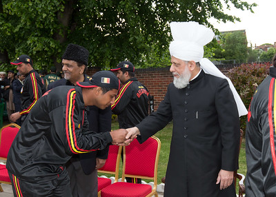 International Masroor Cricket individuals meet Huzur (42 of 349)