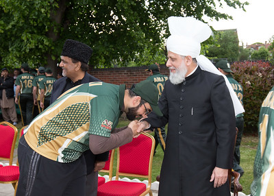 International Masroor Cricket individuals meet Huzur (30 of 349)