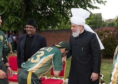 International Masroor Cricket individuals meet Huzur (24 of 349)