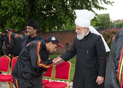 International Masroor Cricket individuals meet Huzur (43 of 349)