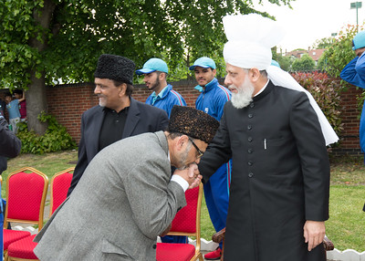 International Masroor Cricket individuals meet Huzur (46 of 349)