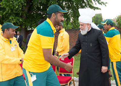 International Masroor Cricket individuals meet Huzur (1 of 349)
