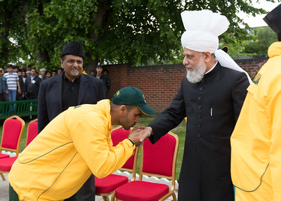 International Masroor Cricket individuals meet Huzur (16 of 349)