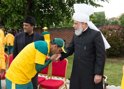 International Masroor Cricket individuals meet Huzur (7 of 349)