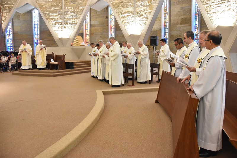 SCJs renew their vows