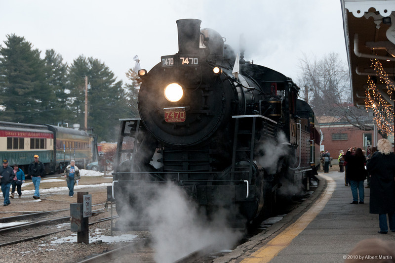 Entering North Conway Station 01