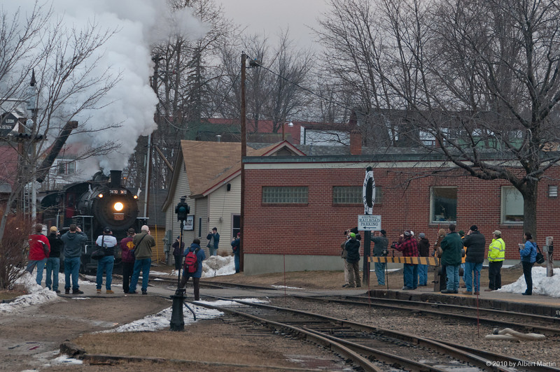 Entering North Conway Station 02
