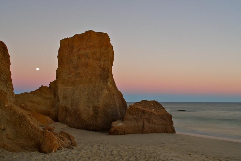 Moonrise, Lucy Vincent Beach