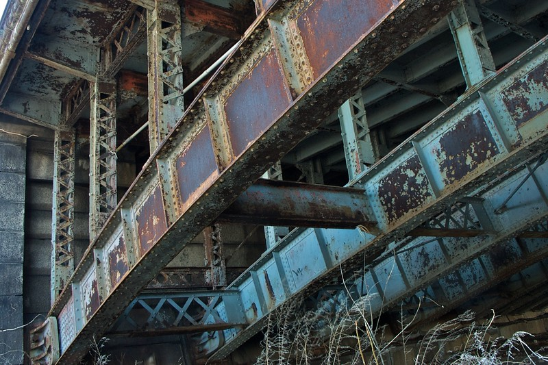 Rust on the Longfellow Bridge
