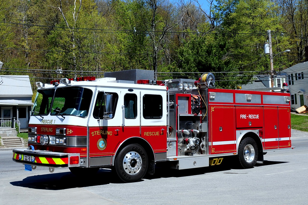 Sterling Fire Dept   Rescue  1  1990  Emergency-One  Hush   1250/ 500