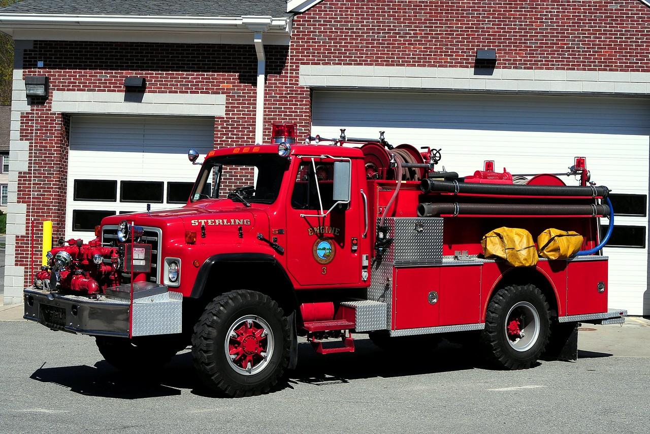 Sterling  Fire  Dept    Engine  3   1987  International/ Boyer  1000/ 500  Type   3  Wildland  Engine