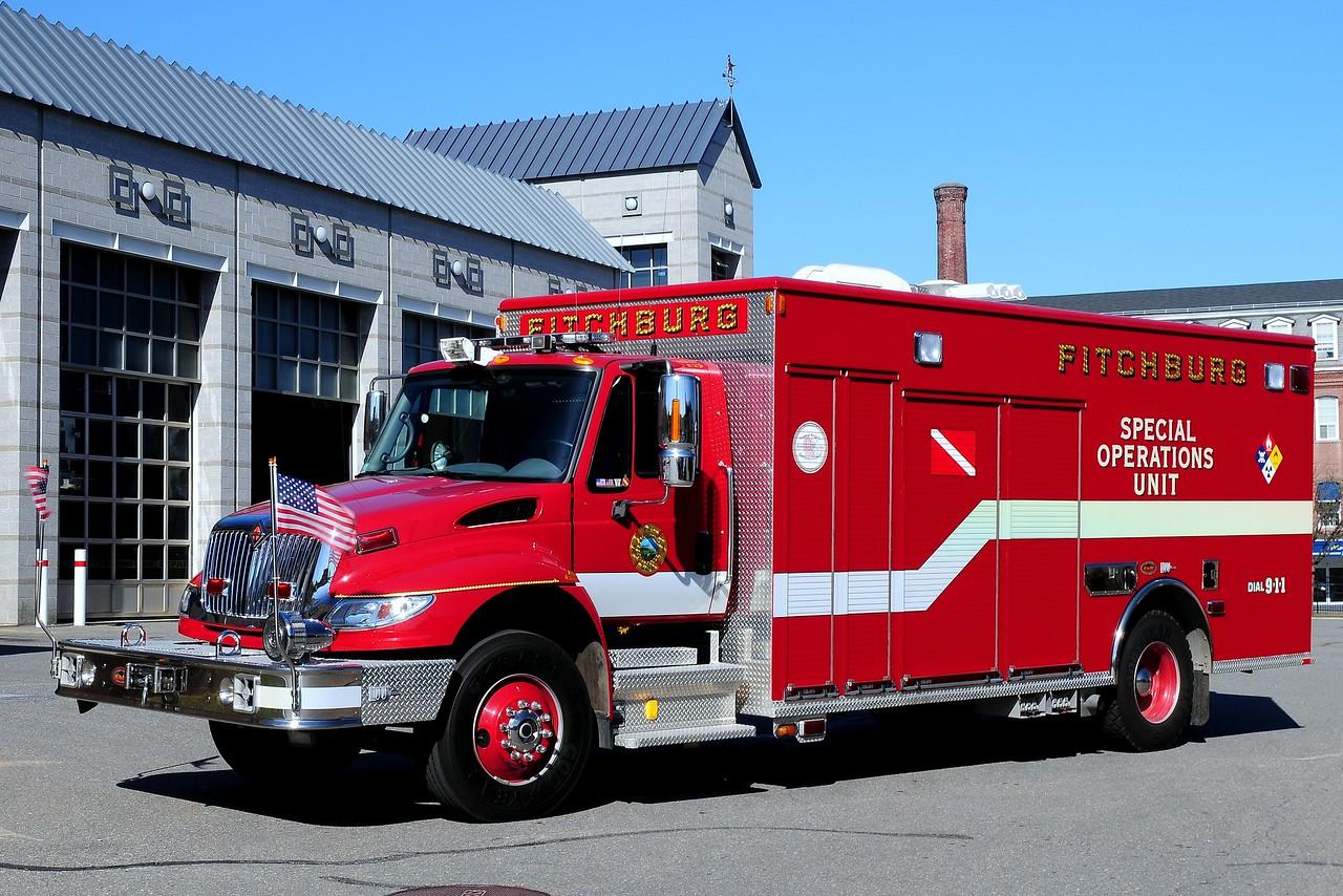 Fitchburg Fire Dept   Special  Opperations  Unit    2006   International/ KME
