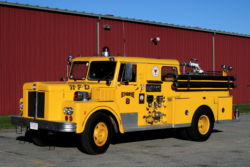 City of  Worcester Fire  Dept    Engine 8   1971  Maxim  S- Model  1000/ 250   Now  Owned  by  Collector
