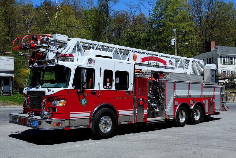 Sterling Fire Dept   Ladder 1  2005  Spartan/ Smeal  1500/ 500/ 20 Foam  105  Ft