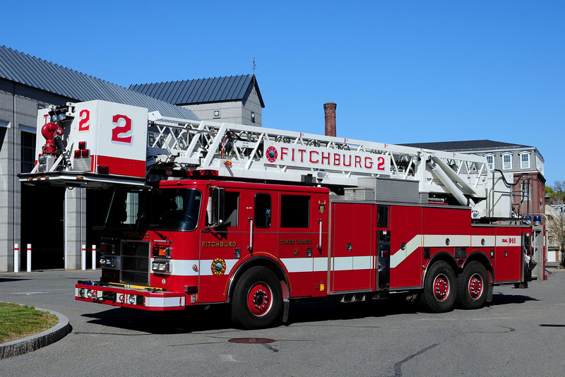 Fitchburg  Fire Dept    Tower Ladder  2   2003  Pierce Dash  85 Ft