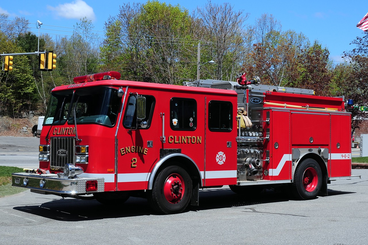 Clinton  Fire  Dept  Engine  2  1995  Emergency-One  1500/ 1000