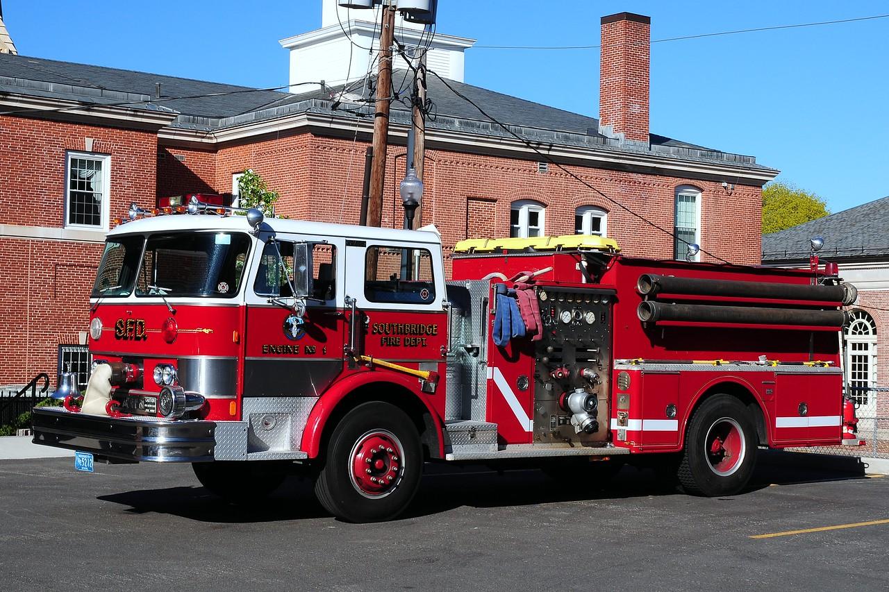 Southbridge Fire Dept  Engine  1  1992  Hahn  1250/ 750