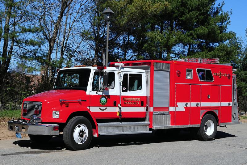 Sturbridge Fire  Dept     Rescue  1  1997  Freightliner  FL 70/  EJ Murphy  500/ 250
