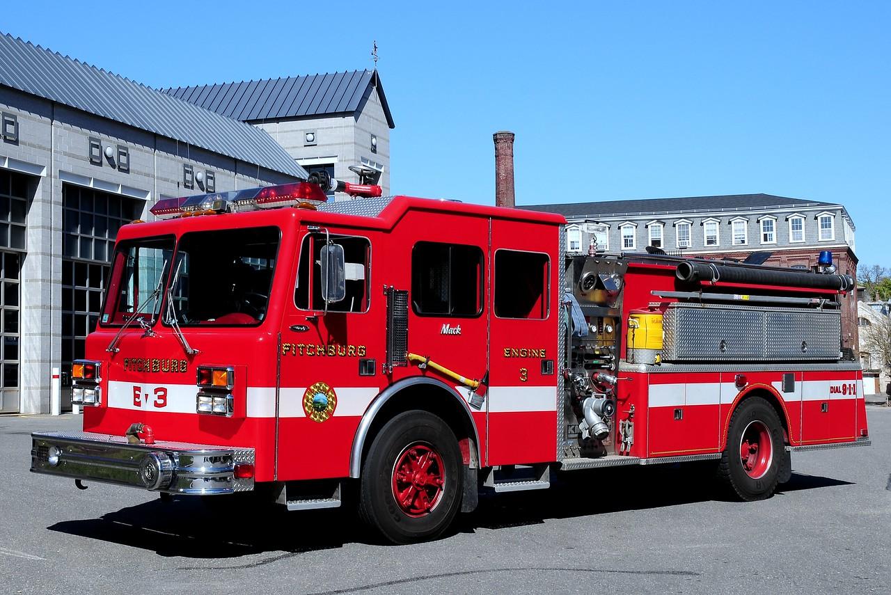 Fitchburg  Fire  Dept   Engine  3  1988  Mack  CF / KME / Maxim/  EJ Murphy   1500/ 1000